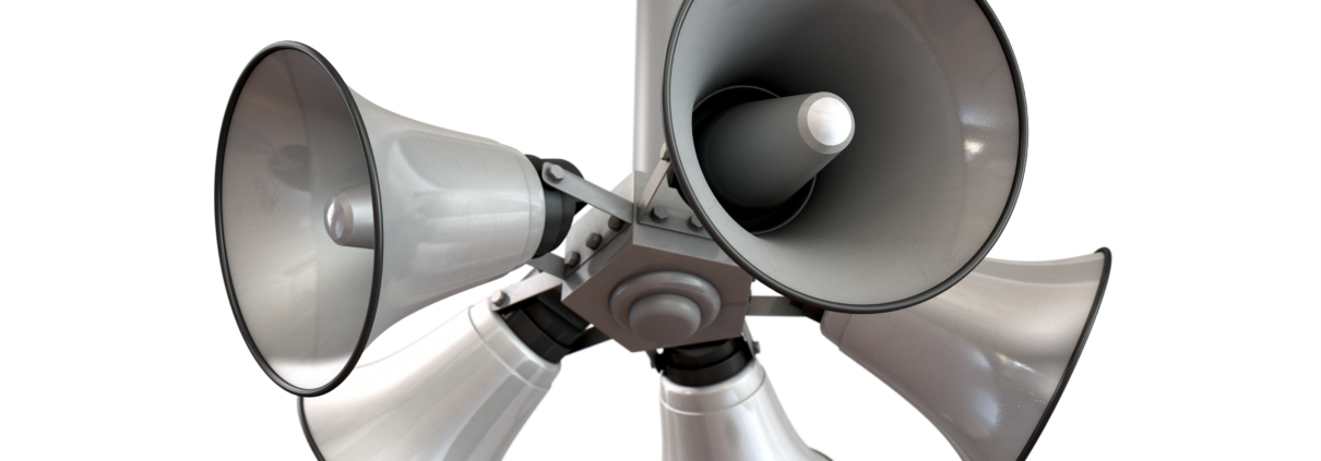 5 loudspeakers all pointed away from a central point to which they are mounted freepoint technologies